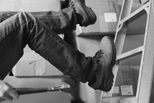 worker-falling